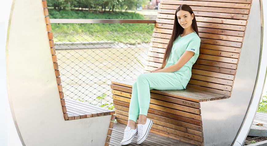 Doskonała odzież medyczna do pracy w kosmetologii