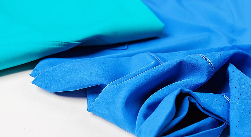 Odpowiedni materiał odzieży dla fizioterapeutów